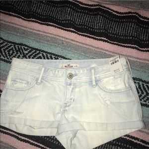 BRAND NEW WITH TAGS! Hollister shorts